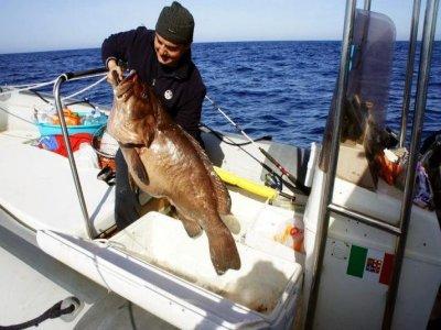 Pesca in barca mezza giornata Egadi giu-sett