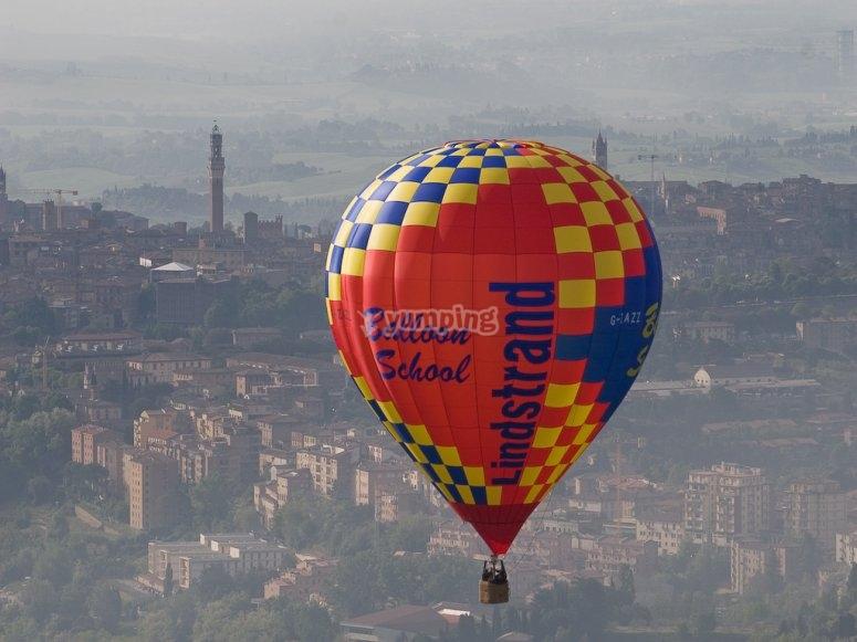 Volo dell'associazione Aerostatica Toscana