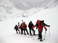 Climb with snowshoes