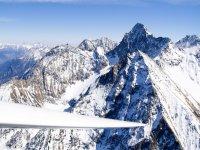 Aeroplano nelle montagne