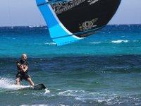 In acqua con il kitesurf