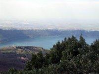 Meravigliosa vista sul lago
