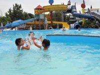 Giocando in acqua
