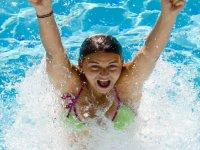 Divertimento in piscina