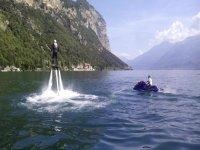 Flyboard nel lago