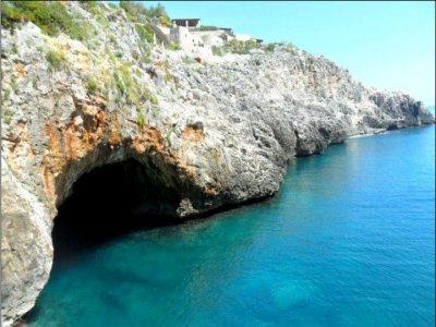 Escursione in Barca a Vela Ostuni