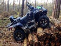 Con il quad in mezzo ai boschi