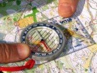 Orienteering con mappa e bussola
