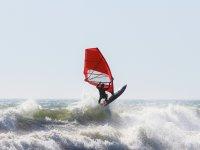 Windsurf tra le onde