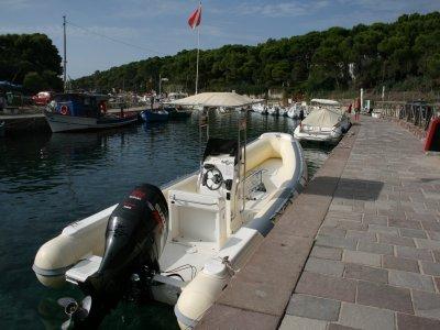 Escursione in Gommone con Snorkeling in Sardegna