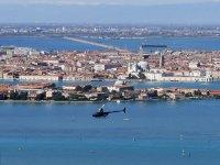 In volo su Venezia