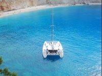 Un accogliente catamarano