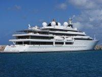 Yacht ormeggiato