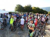 Gruppone di ciclisti
