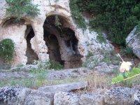 Igresso alla grotta