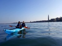 In kayak con vista sul campanile di San Marco