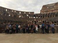 Foto di gruppo al Colosseo