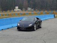 Lamborghini su pista.JPG