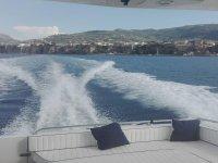 In barca tra le onde