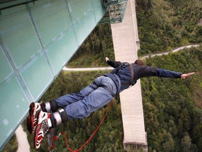 Rupert Hirner Bungy Jumping