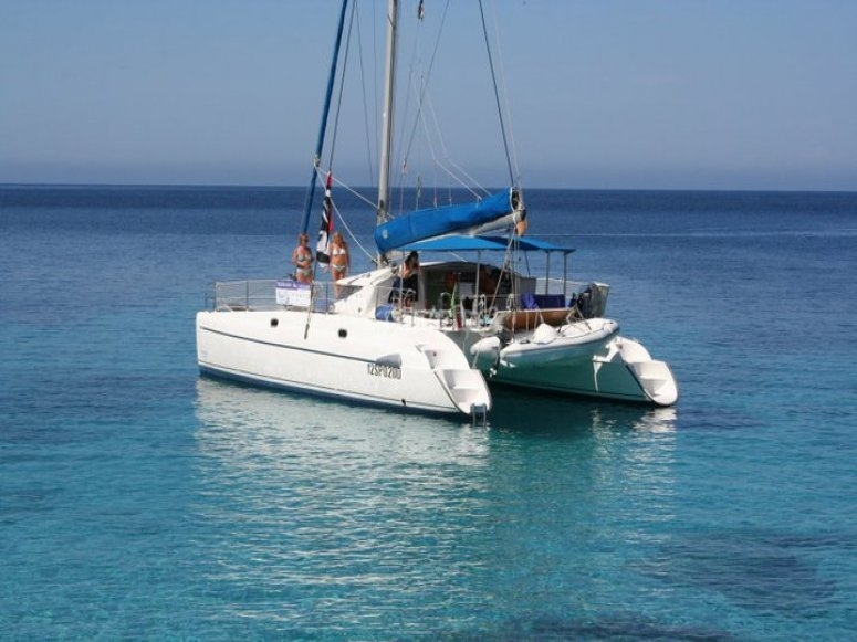 Asinara Catamaran - Crewed Catamaran Cherter