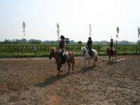 Equitazione per bambini con i pony
