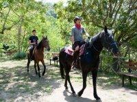 A cavallo tra i verdi sentieri