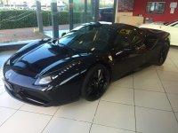 Elegantissima Ferrari nera