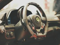 Il volante di una Ferrari
