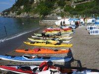 Le canoe in spiaggia