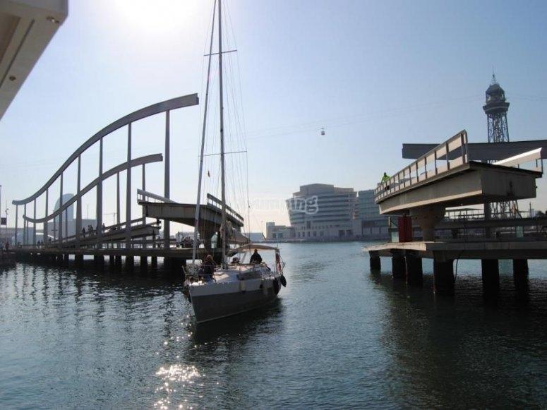 Solcando i mari in barca a vela
