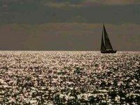 Il sole riflesso sul mare