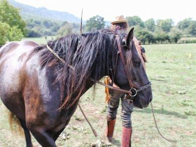 Trekking 2gg con cavallo proprio Castello Orvinio