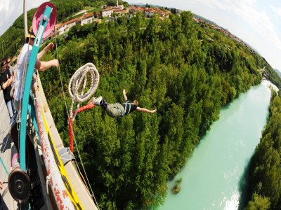 Top Extreme Bungee Jumping