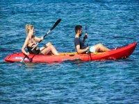 Coppia in canoa