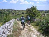 escursioni in bici colline di Siracusa