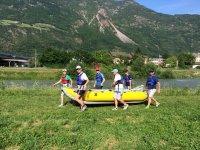 Divertiti in compagnia nel fiume Adige