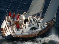 Barche con equipaggio