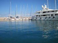 Yacht a due piani