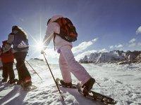 Ciaspolare sulla neve