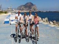 In bike sul lungo mare