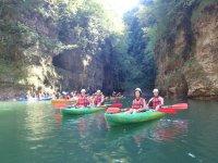 Tutti insieme in canoa!
