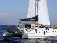 Il catamarano in navigazione.JPG