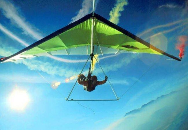 In cielo con il deltaplano